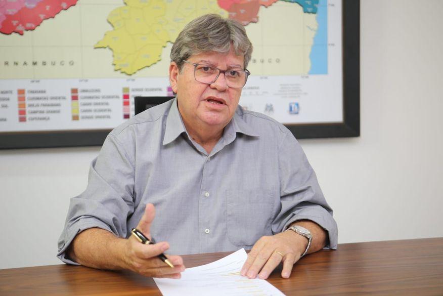 """João Azevêdo confirma novo decreto para hoje com restrições para conter a  Covid-19: """"Números preocupam"""" - WSCOM"""